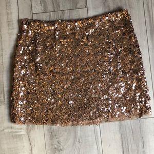 Beautiful mini sequin skirt in rose gold